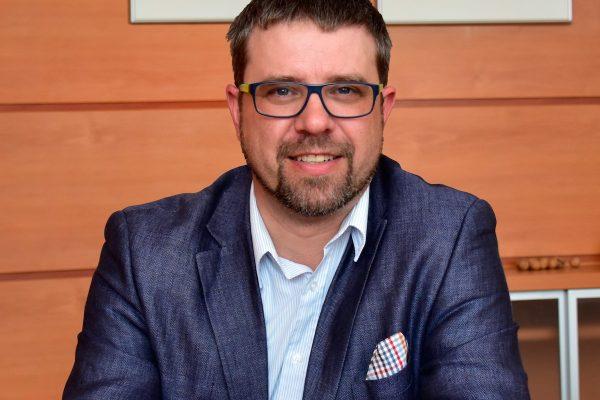 Finančním ředitelem Hamé je Robert Škrabánek