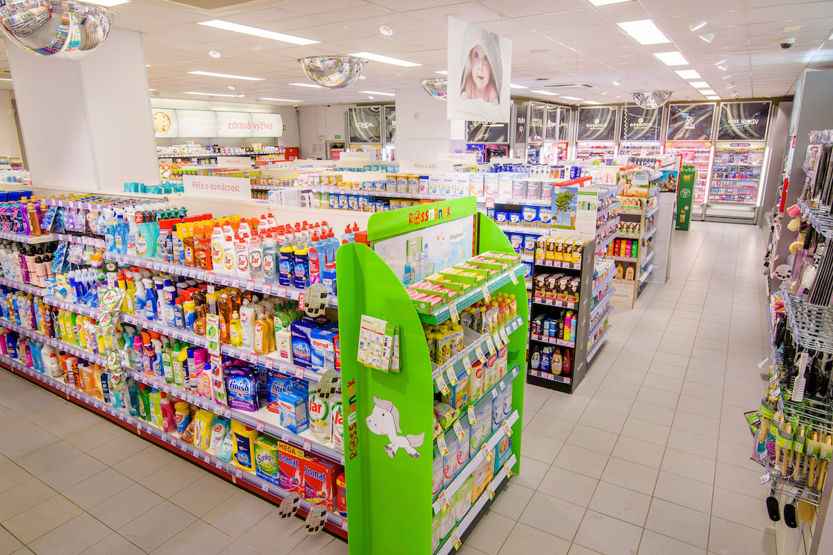 Rossmann ve Velkém Meziříčí: interiér prodejny