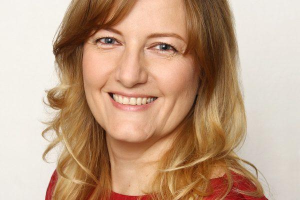 Home Credit má novou personální ředitelku Kateřinu Saparovou