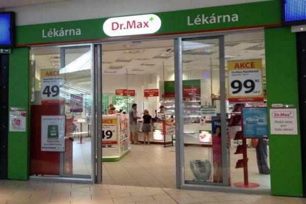 Lékárny Dr. Max zavádí garantovanou nástupní mzdu a zvedají platy