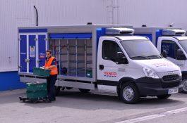 Tesco rozšiřuje rozvoz nákupů pro České Budějovice, Krumlov a Třeboň