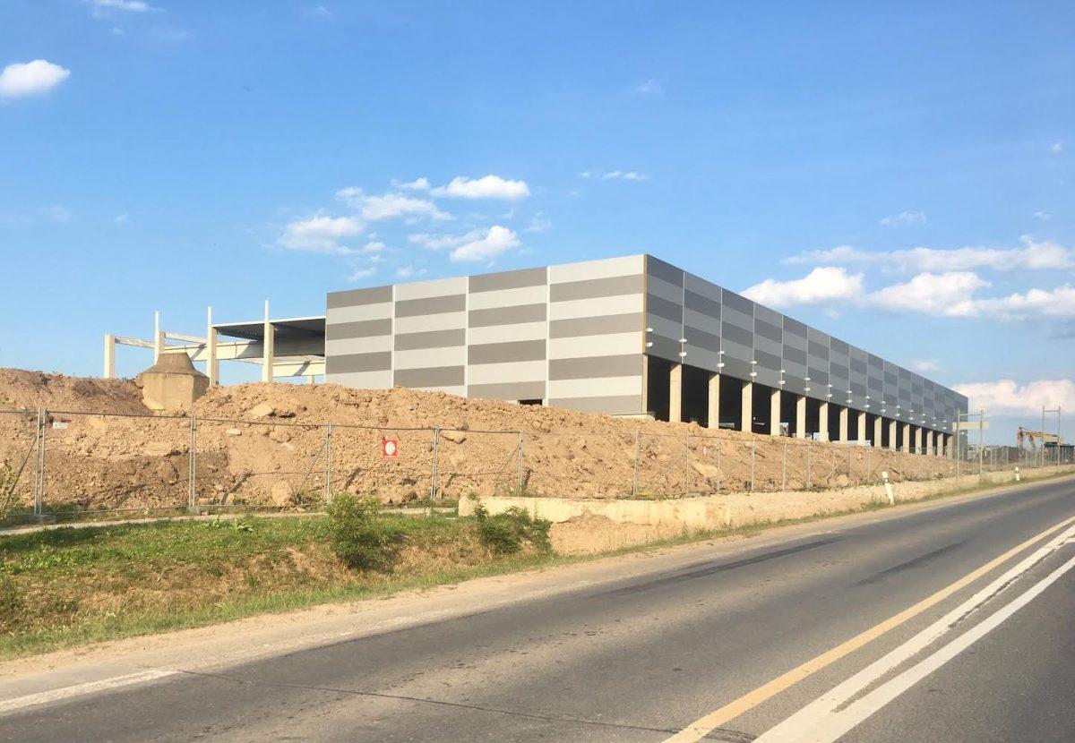 Aktuální stav výstavby retail parku ve Štěrboholích
