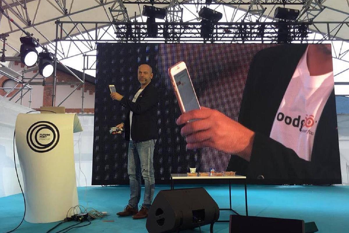 Petr Václavek na Future Port Prague prezentuje používání aplikace Foodgroot v praxi