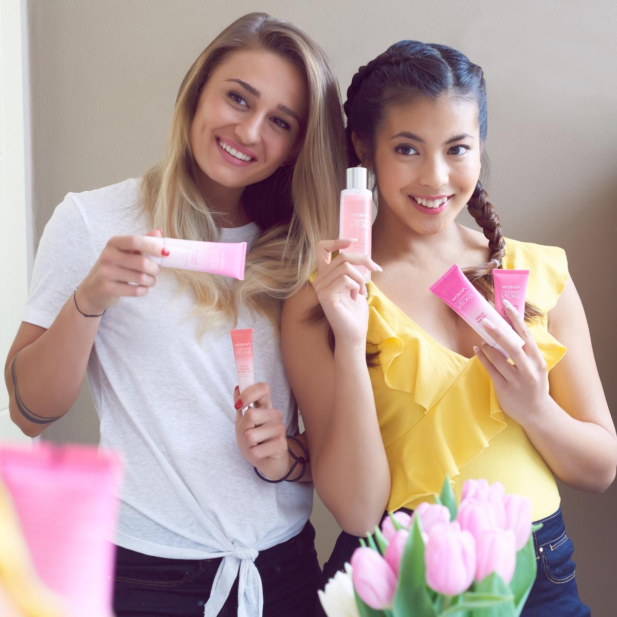 Tatiana Žideková a Bé Hà Nguyen v kampani pro Avon