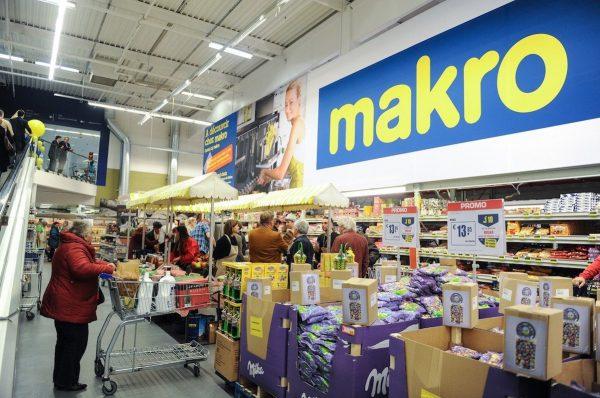 Křetínský a Tkáč přikupují další podíl v majiteli Makra, získali 3,6 % od Ceconomy