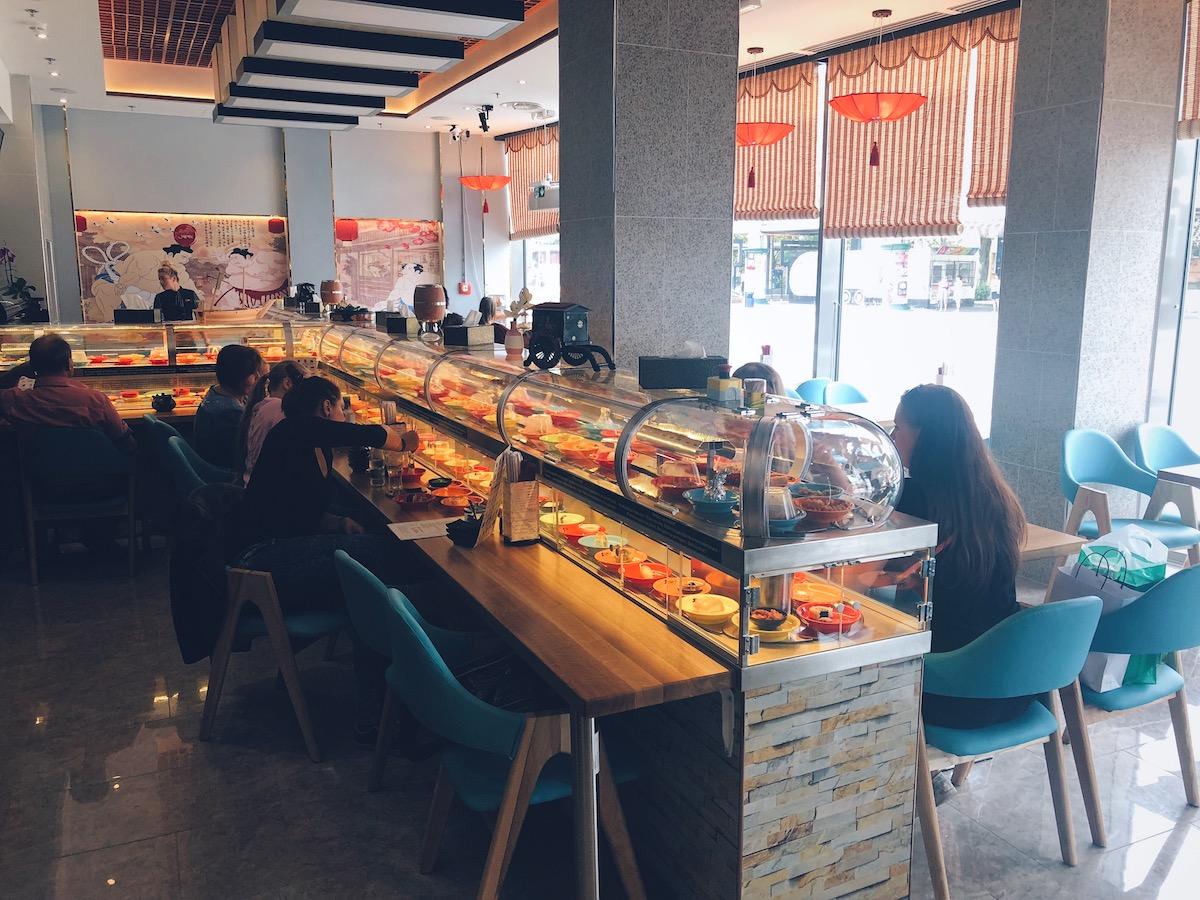 Running Sushi v českobudějovickém centru Igy