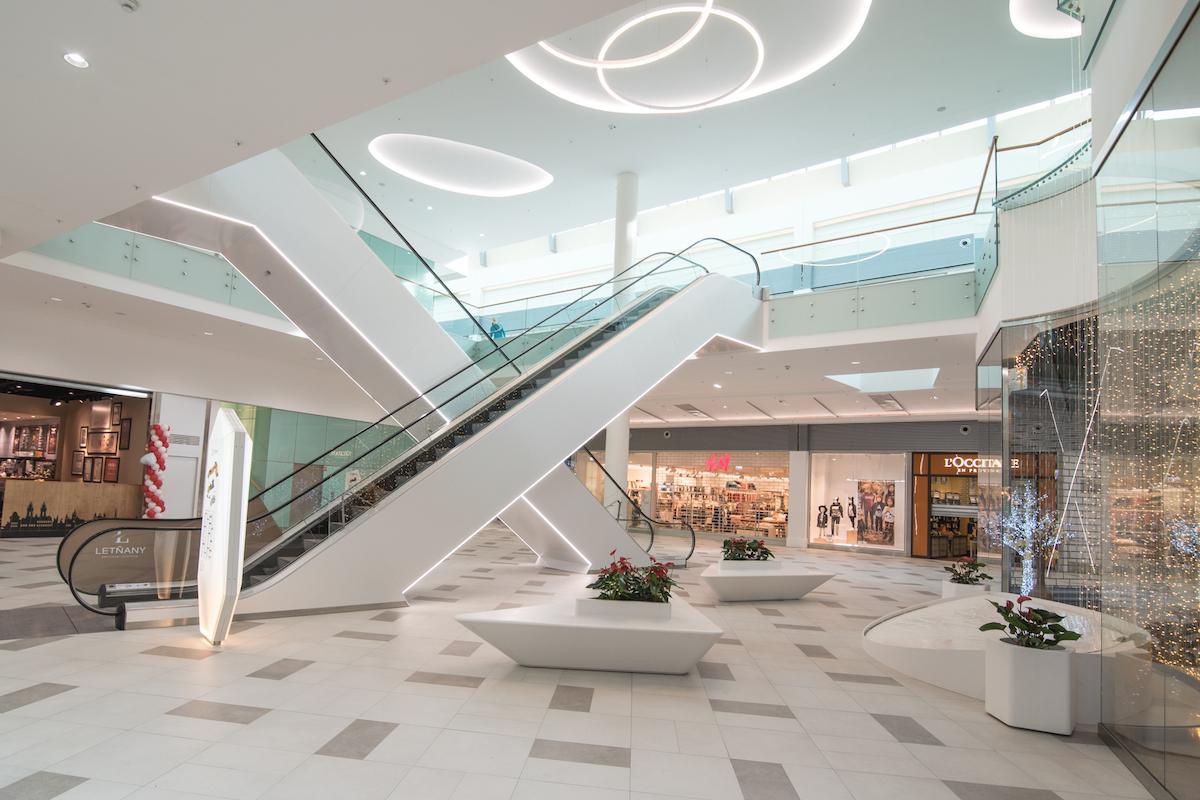 Zmodernizovaný střed v Obchodním centru Letňany