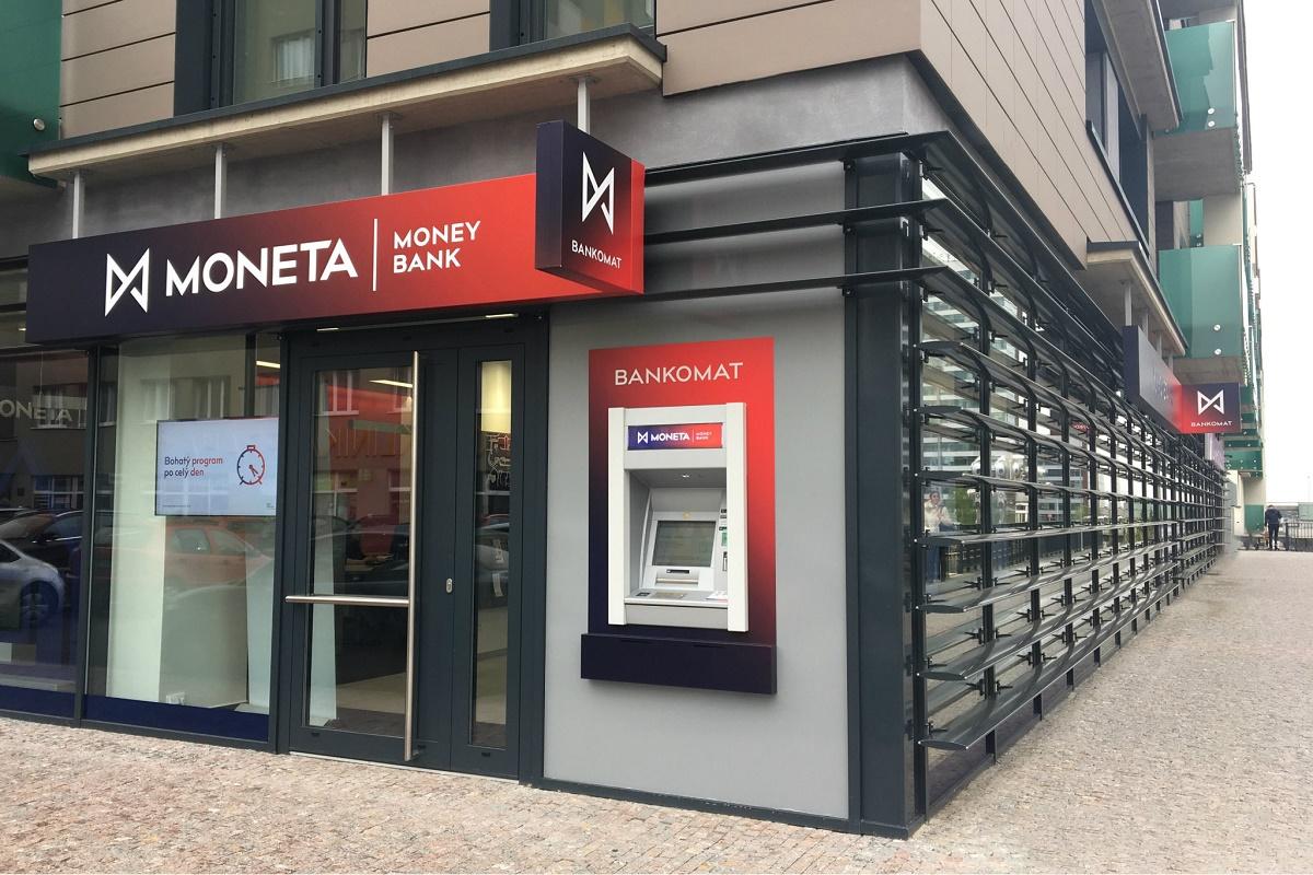 Moneta je první bankou v Česku, která ve své aplikaci nabídla multibanking
