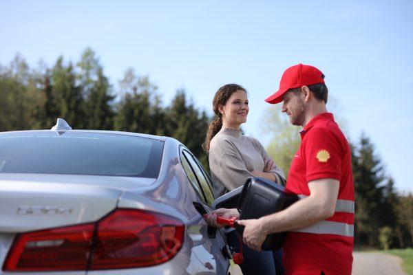 Věrnostní program Shellu přidává asistenční služby či slevy z Booking.com