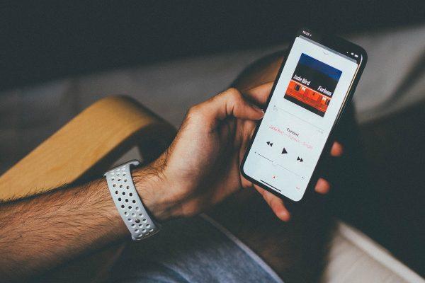 Hudební pexeso Music Match nabízí ke hře celou databázi Apple Music