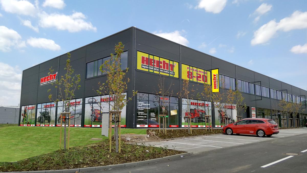 Nová prodejna zahradní techniky Hecht v Technoparku ve Znojmě
