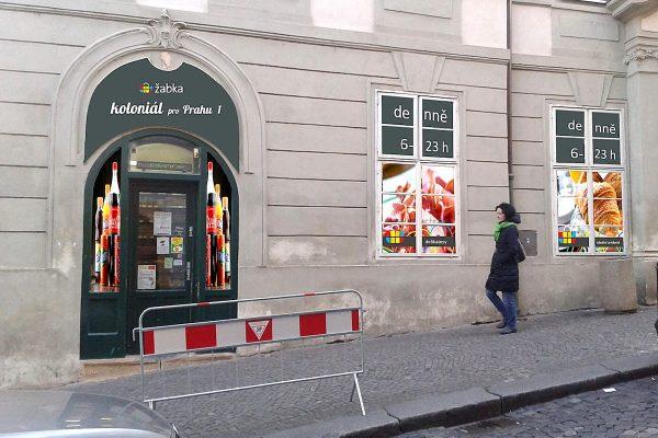 Sedm prodejen Žabka v centru metropole mění název na Koloniál pro Prahu 1