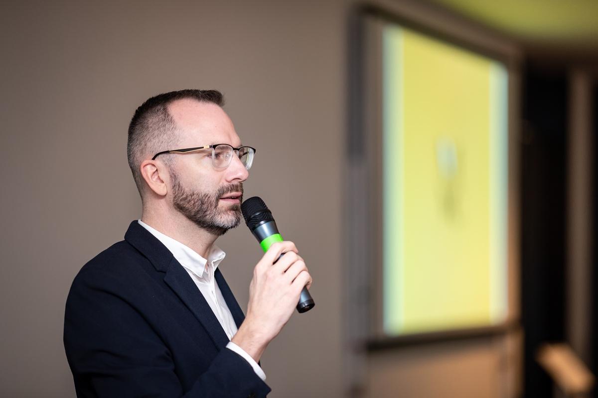 Konferencí provedl šéfredaktor Médiáře Ondřej Aust