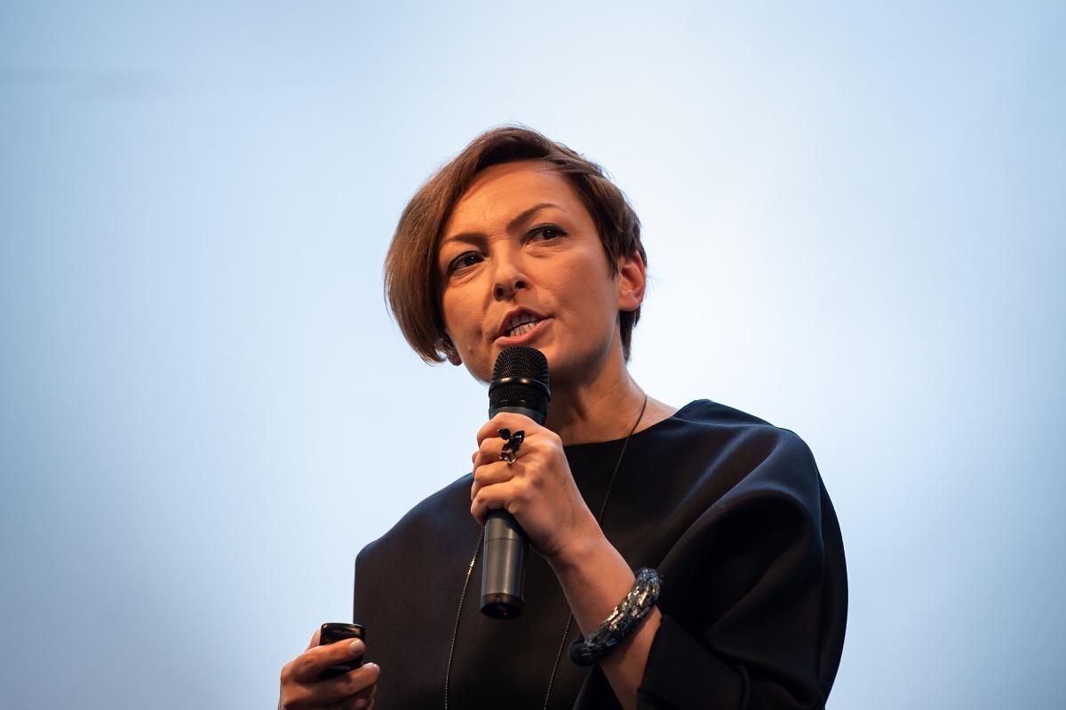 Viola Fetisova představuje studii o módním sektoru