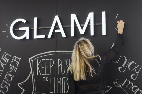 E-commerce tvoří 20 % tržeb z módy v Česku, odhaduje Glami