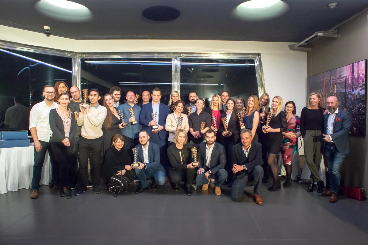Všichni čeští vítězové letošních IMC European Awards. Předávalo se tradičně na žižkovské televizní věži. Foto: David Bruner