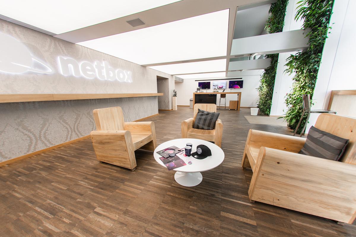 Interiér prodejního centra Netboxu