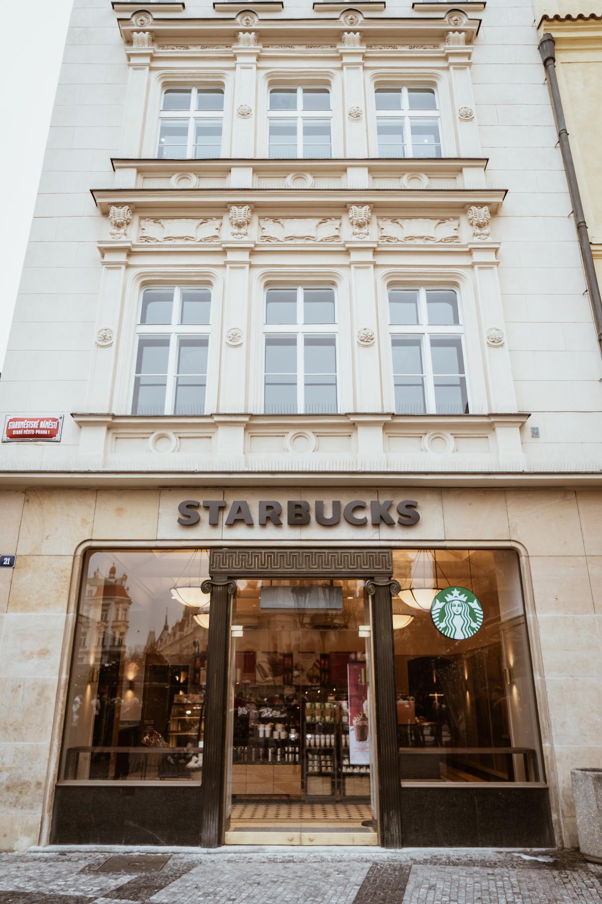 Nová kavárna Clock řetězce Starbucks