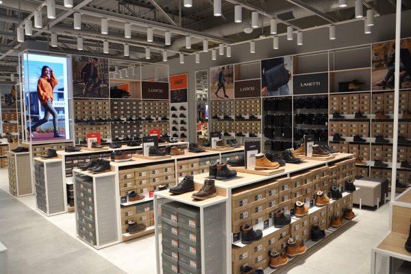 Polský prodejce obuvi CCC otvírá v Teplicích ve větším