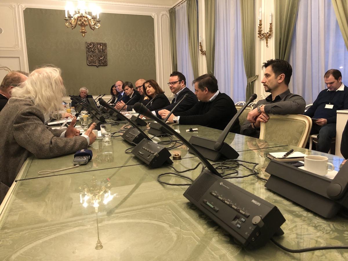 """Dnešní schůze """"mediální komise"""" Senátu: vlevo Josef Rauvolf"""