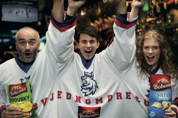 Chipsy Bohemia fandí hokeji v jednom trojdresu