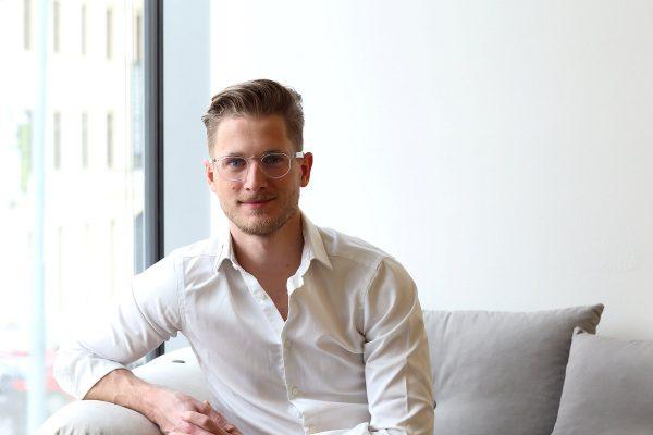 """3 otázky pro Michala Šmídu. """"Vratky u e-shopů s módou jsou dnes 23 %, což je super"""""""