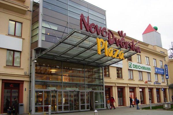 Nákupní centrum Novodvorská Plaza po 12 letech mění majitele