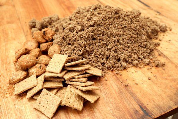 Plzeňský Prazdroj vyrobil sušenky z mláta, ve dvou příchutích