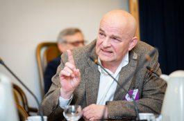 Bývalý šéf ČT Janeček zvolen do rady pro vysílání