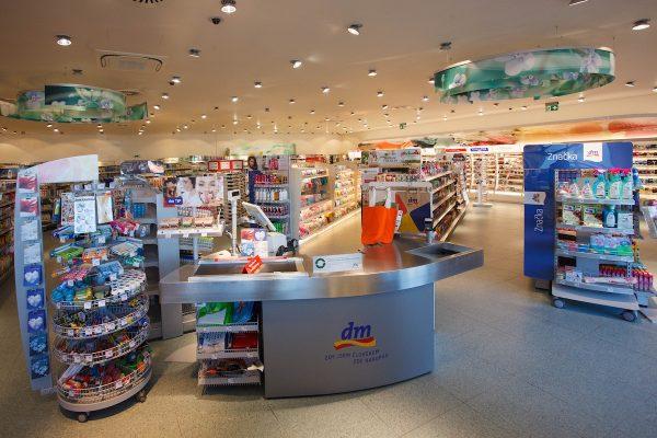 Dm v třebíčském Stop Shopu otvírá na novém místě, nabízí WC i wifi