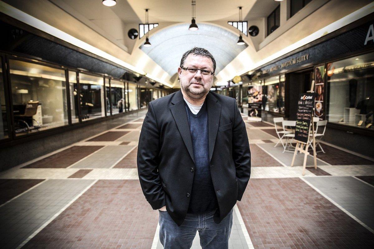 Novinář Jaroslav Kmenta je znám z působení v Mladé frontě Dnes, dnes píše pro Reportér. Foto: Profimedia.cz