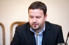 Rozhlasový radní Kňourek si stěžoval Radě ČTK na zprávu o Černockém
