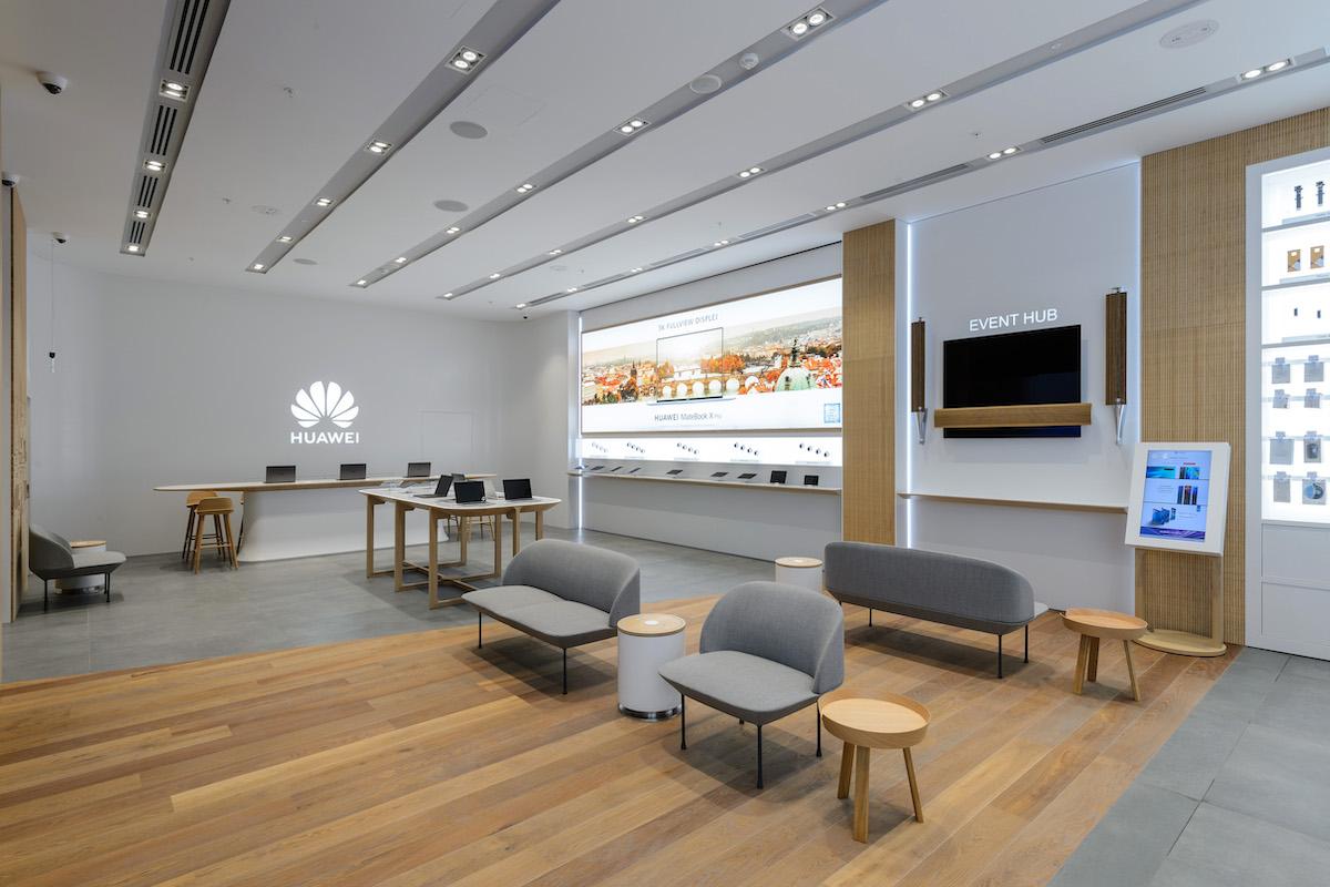 Huawei Experience Store v Centru Chodov. Foto: Martin Flousek