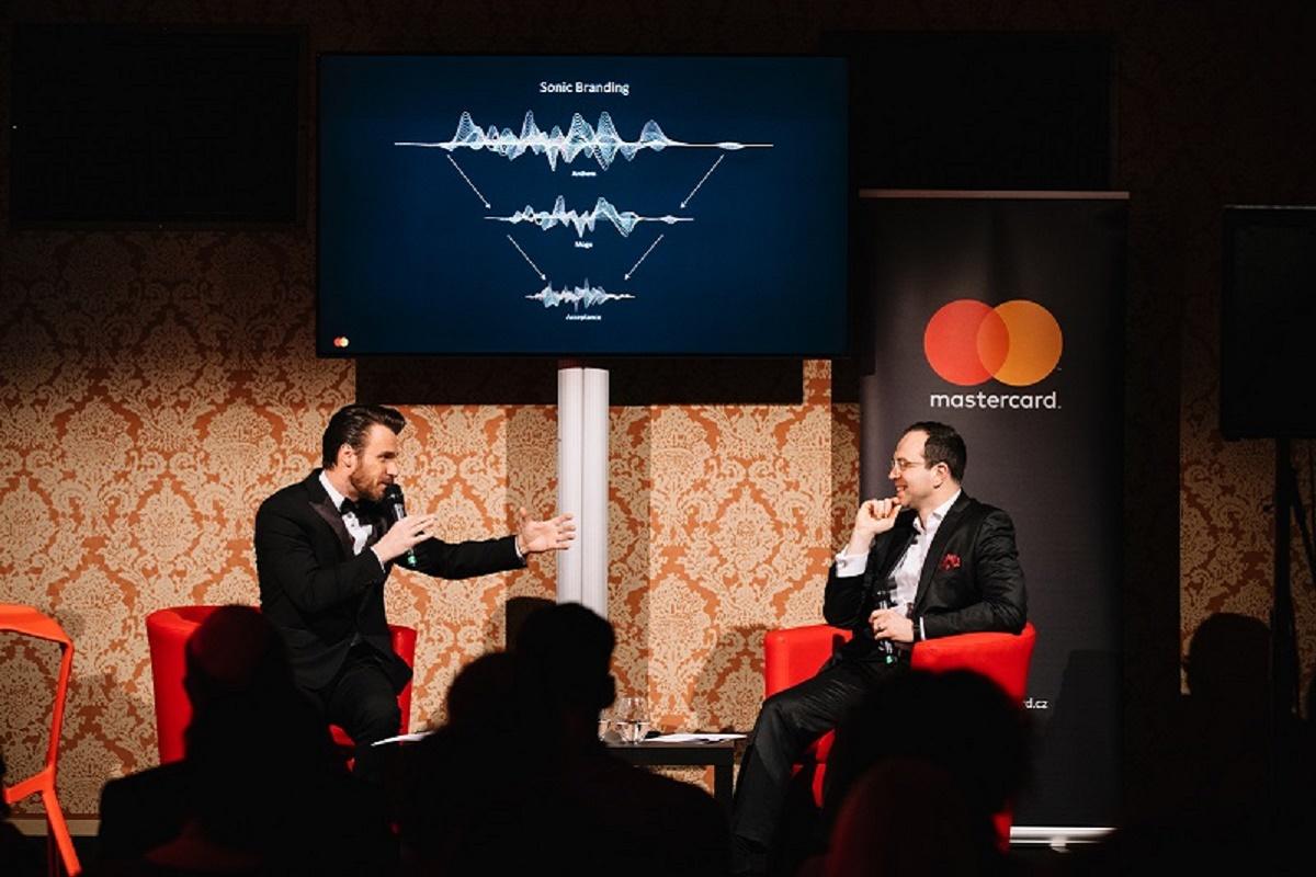 V Česku představil Mastercard svou akustickou identitu v pražském Rudolfinu