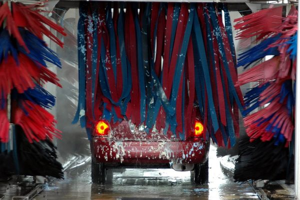Škodovka spouští aplikaci pro snadné mytí firemních aut