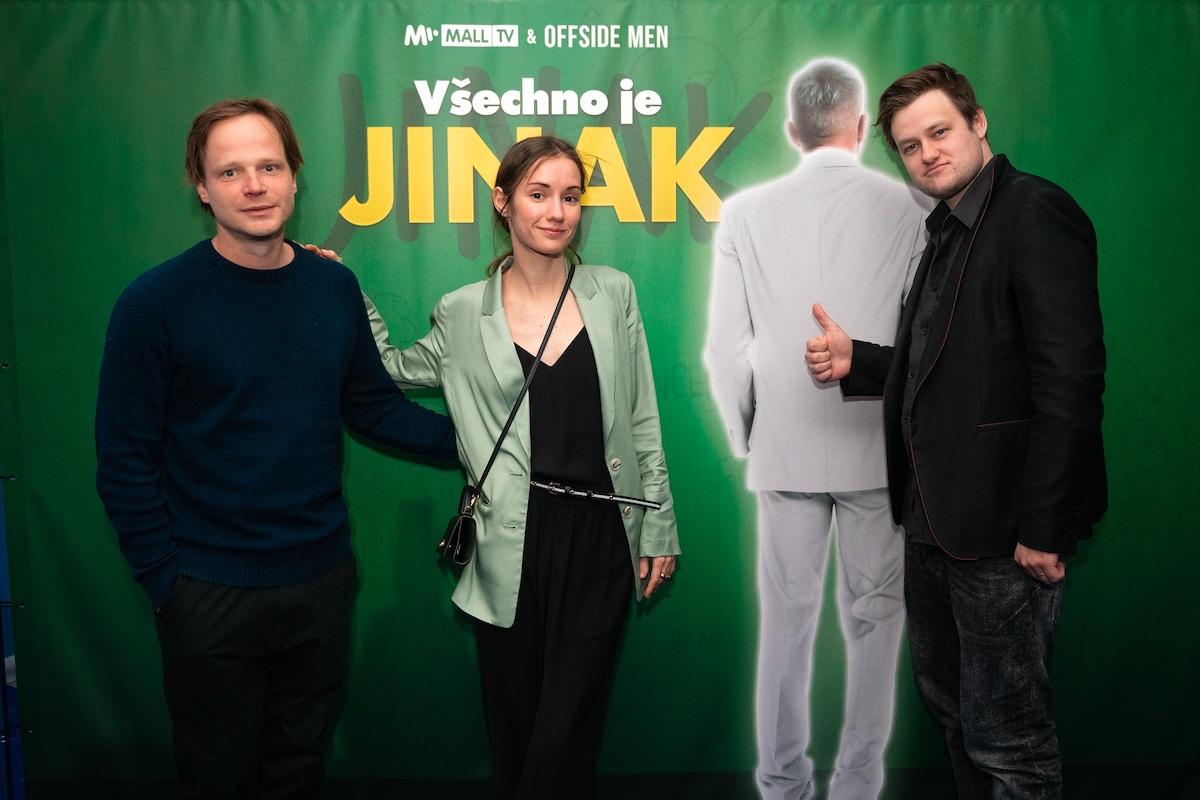 Kryštof Hádek, Eliška Křenková a Jan Strejcovský na premiéře seriálu. Foto: Mall.tv
