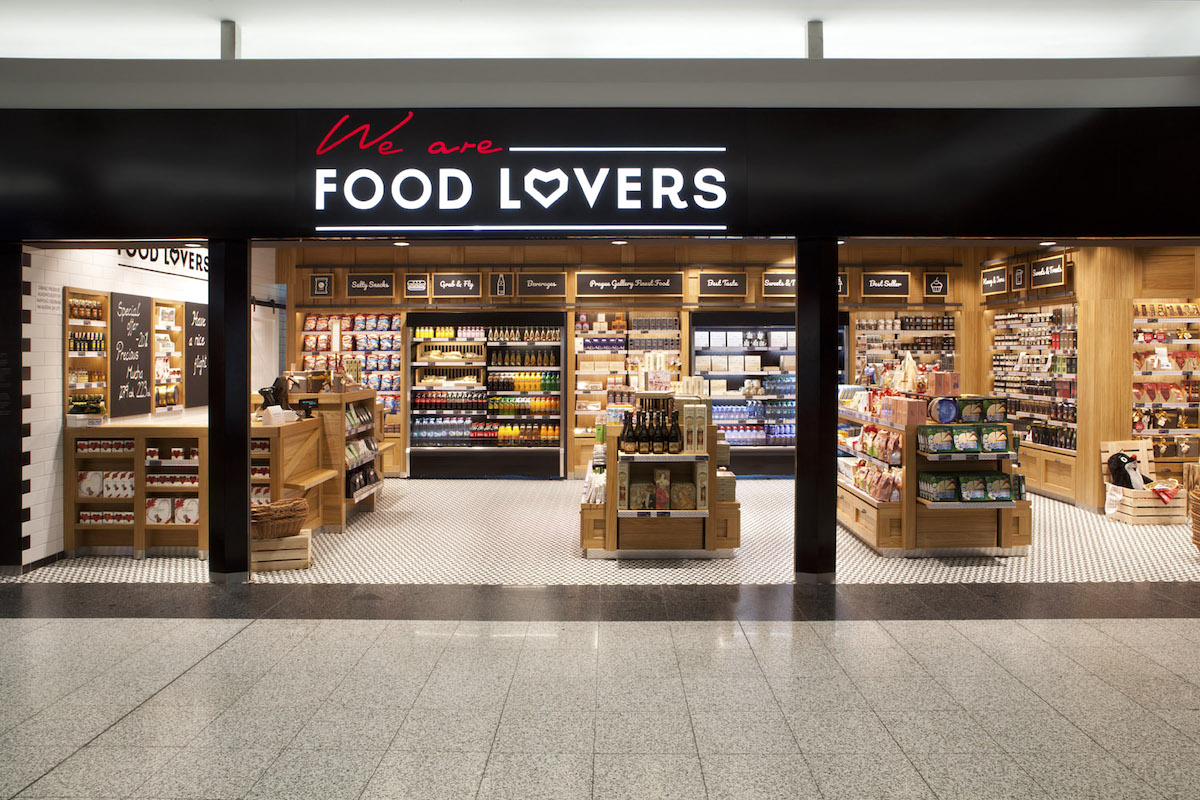 Prodejna We are Food Lovers na pražském letišti