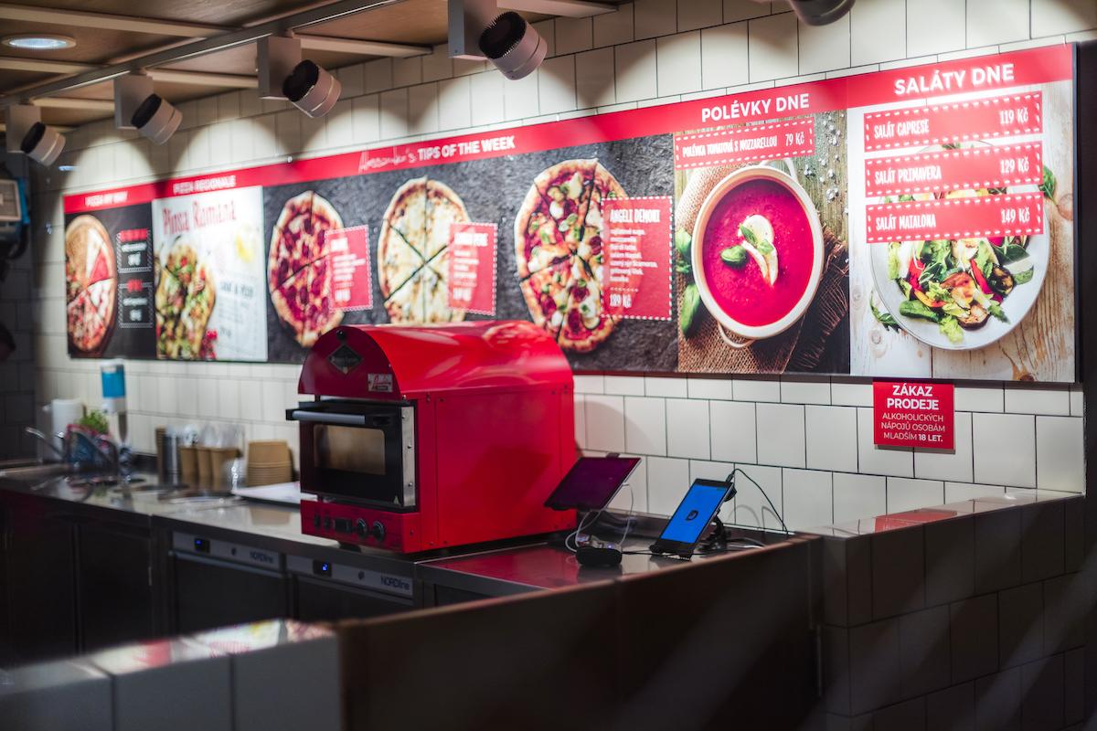 Pizzerie 360pizza na Vítězném náměstí v Praze-Dejvicích