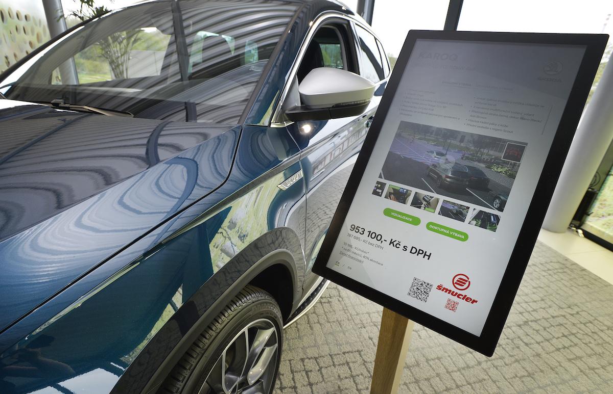 Digitální showroom Škody: dotyková obrazovka s uhlopříčkou 22 palců slouží ke konfiguraci požadovaného vozu