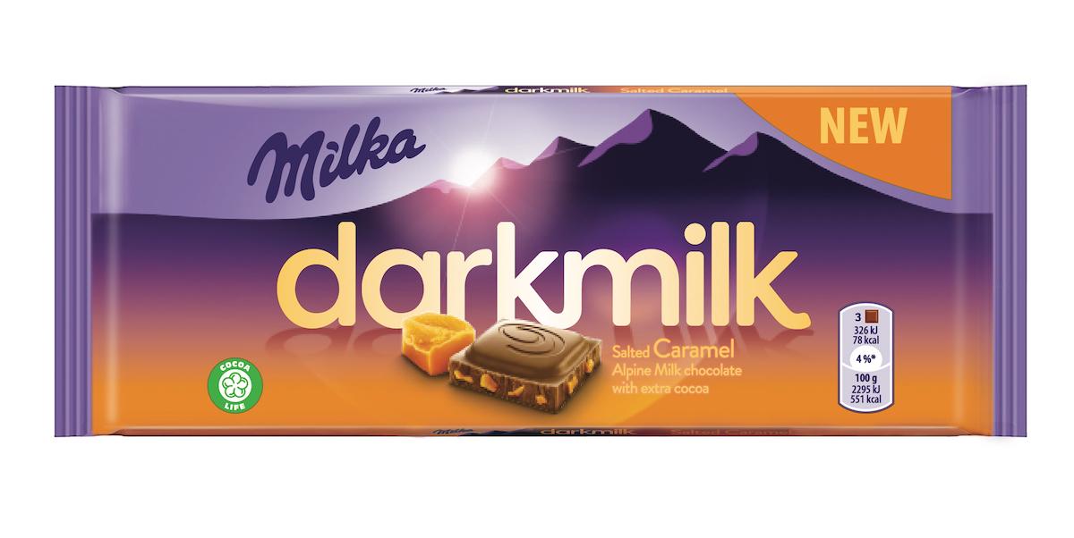 Milka Darkmilk se solí a karamelem