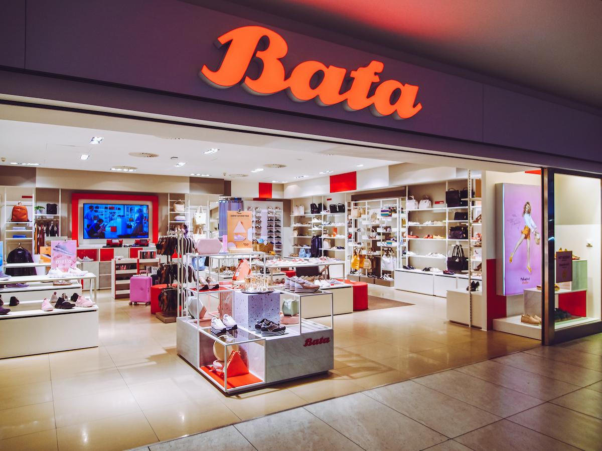 Prodejna obuvi Baťa na pražském letišti