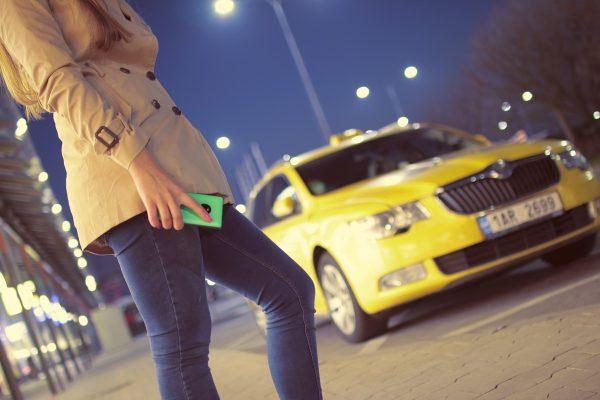 Taxikáři se mohou v aplikaci učit místopis čtyř měst