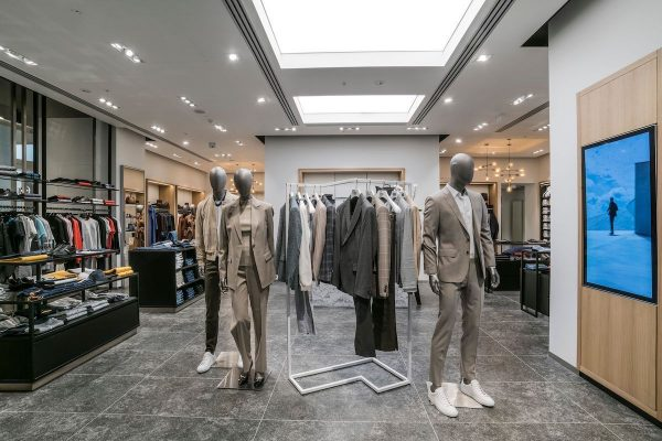 Módní značka Hugo Boss začala v Česku na novém místě, na Chodově