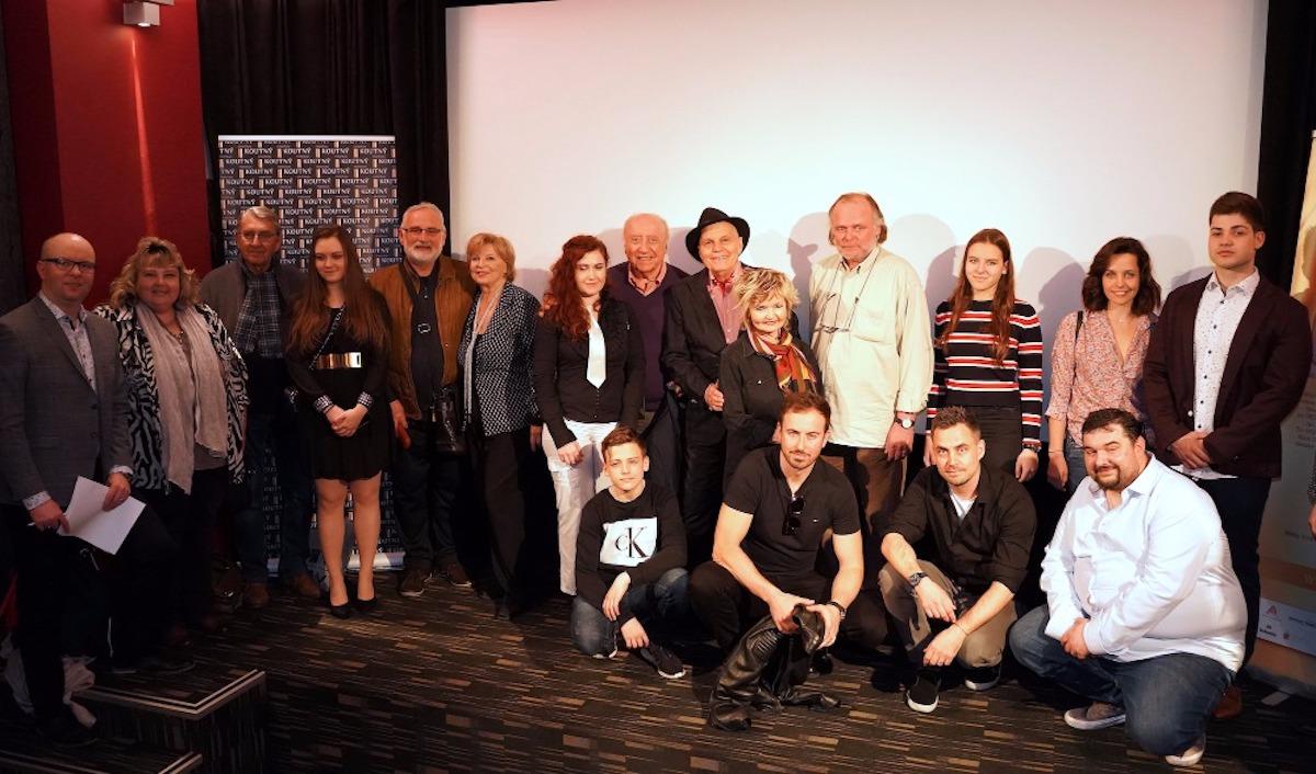 Seriál se představil na tiskové konferenci v pražském kině Mat