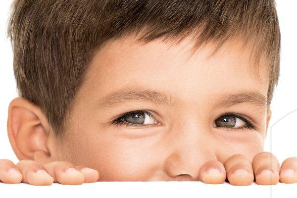 """Čokoláda Kinder má na obalu novou dětskou """"rozvernou"""" tvář"""