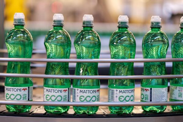 Mattoni sjednotí barvu plastových lahví kvůli snazší recyklaci
