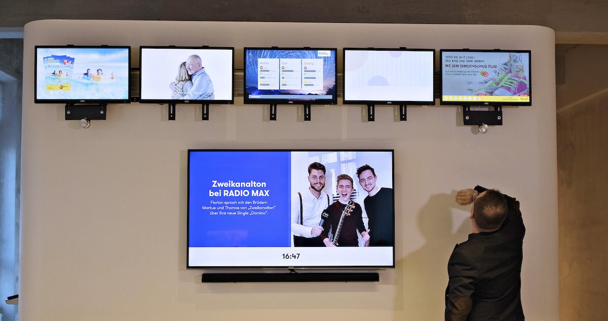 V sídle firmy Radio Max funguje regulérní newsroom