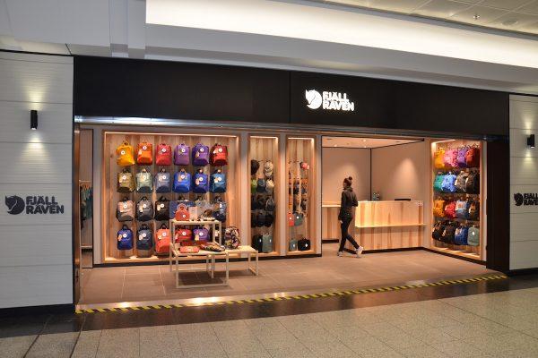 Švédský obchod Fjällrävenotvírá na letišti, přijde tam i Björn Borg
