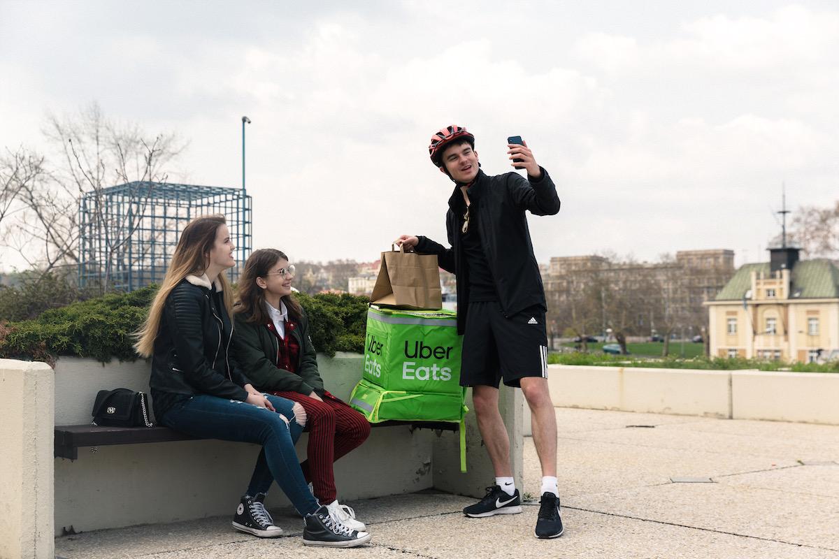 Karel Kovář alias Kovy ve službách Uber Eats