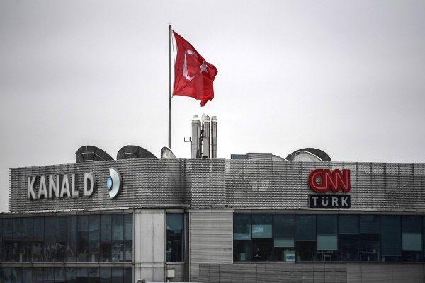 CNN Türk je kritizována, že zkrátila rozhovor s kandidátem opozice